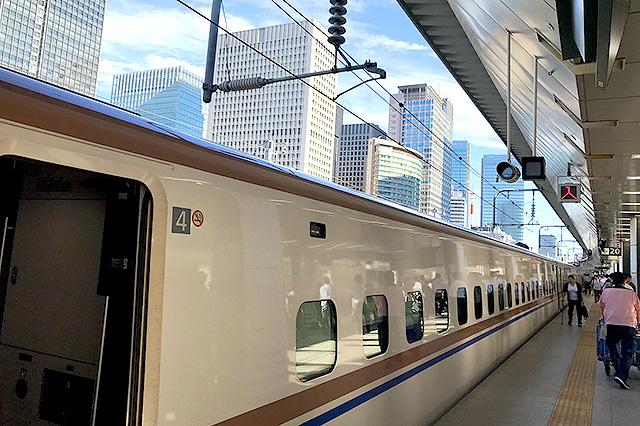 『新幹線はくたか』に初めて乗った。なんか、新幹線で行けば日本中どこでも数時間で着きます。すごいですね。