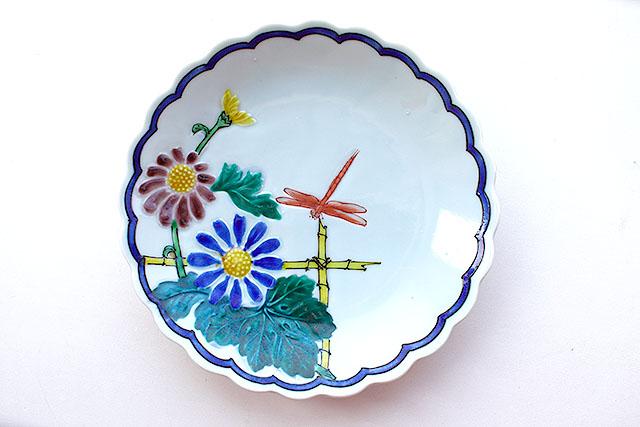 花とトンボが可愛い。仕事量(一般に絵が複雑で手が込んでる物ほど高価)は少ないけど、にしても1000円は安い。