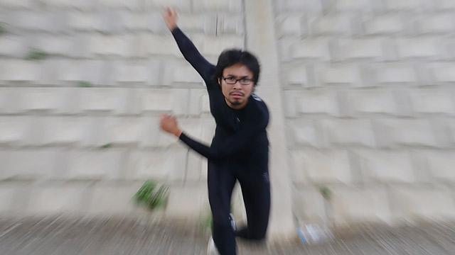 スピードスケートしている風