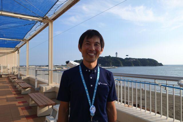 魚の解説をしてくれるのは新江ノ島水族館の岩崎さん