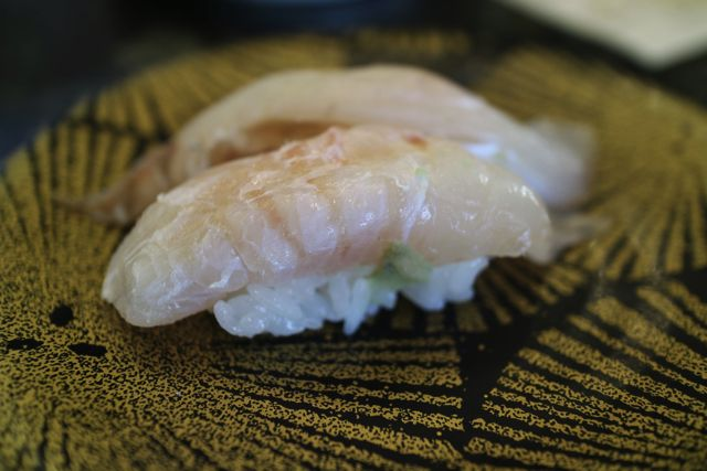 気がついたら寿司にされていたカレイ目のヒラメ