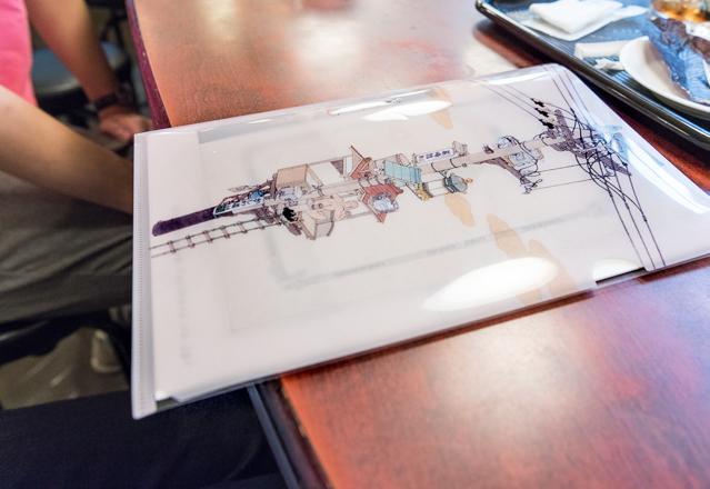 持っていたクリアファイルも、山口晃さんの電柱の絵のもの。さすがだ。いいですよねー、このシリーズ。
