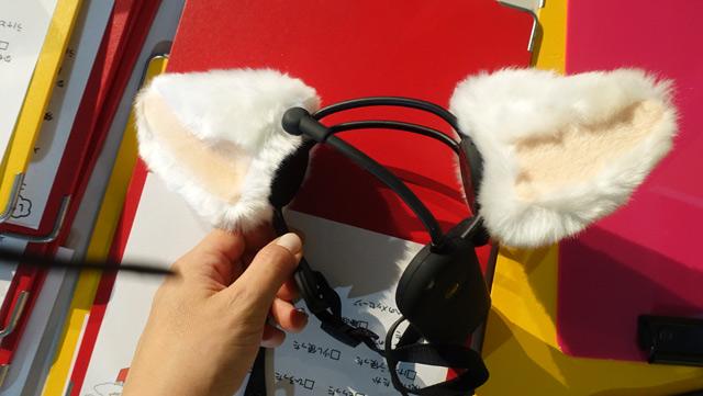 結果、脳波を読んで頭の上のネコ耳が動くカチューシャの「necomimi」を持ってきてくれた方が引きあてていきました