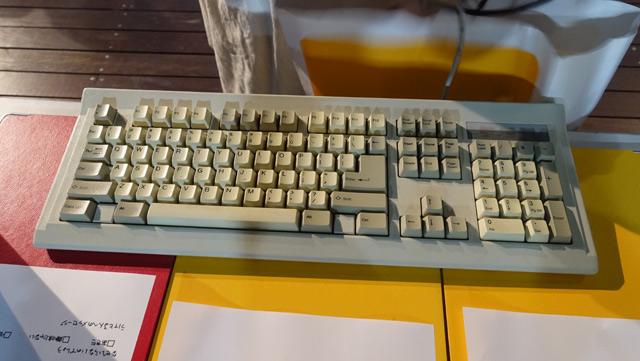 個人的にしびれたのがこのキーボード!かっこいい!