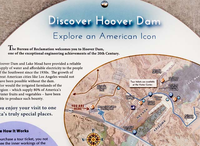 フーバーダムが「アメリカのアイコン」と称されていた。まわりの砂漠っぷりを見ると、心意気が理解できる。
