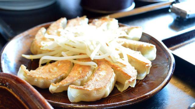 静岡県内40店舗以上展開、地元民が子供時代は家族で行き高校時代はバイトする店という中華料理のチェーン店。「普通のらーめん」がある五味八珍とは。