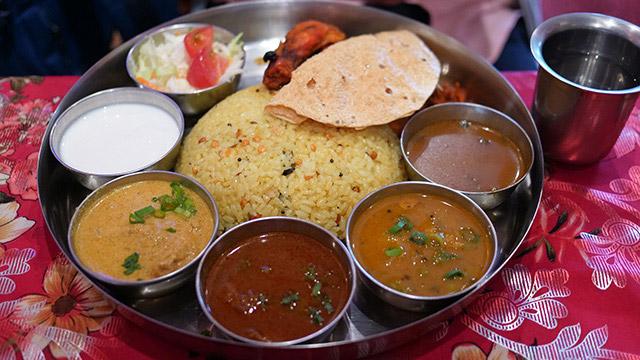 南インドの定食は手で食べるとおいしいという。そんな手食べにハマった