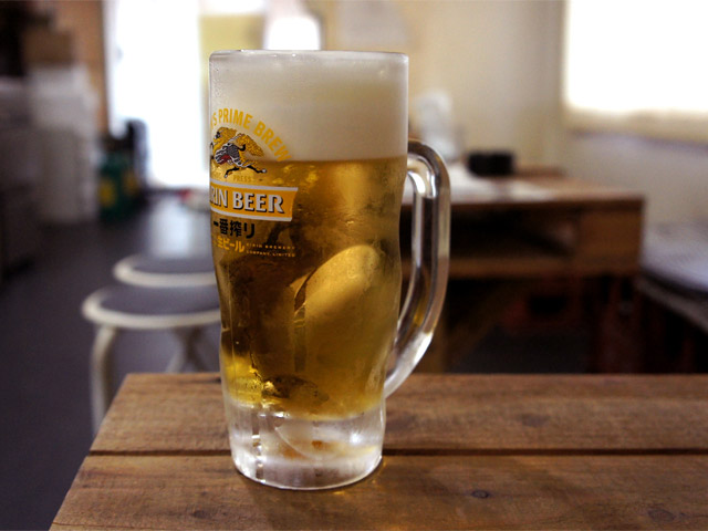 生ビール(180円)