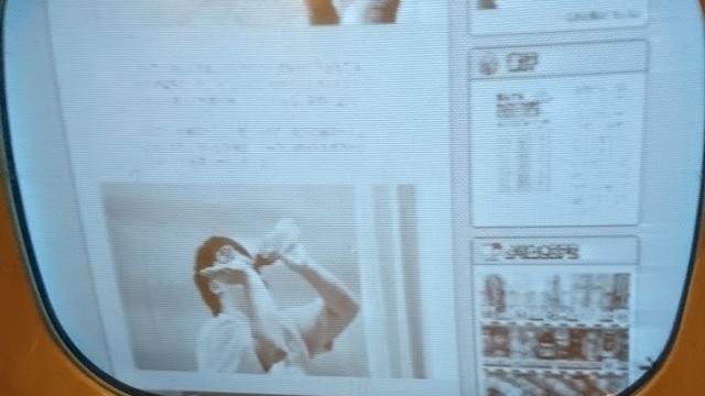 ライター江ノ島さんの「コマを回しながらコーラ一気飲み芸」は確認できる