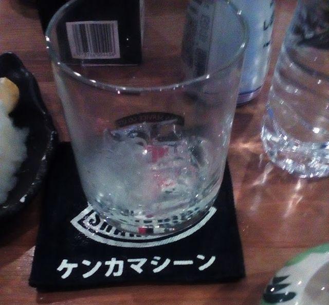 お酒を飲もうとしてもタイでは変な日本語の手が伸びてくる。油断はできない。