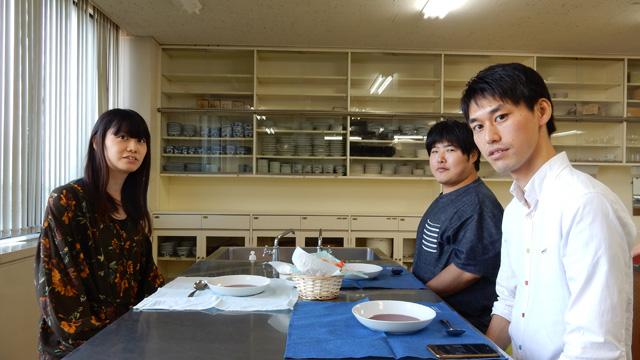 デイリーポータルZのライターの井口さん(左)、江ノ島さん(右奥)に参加いただいた。