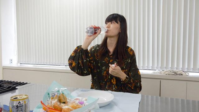 ペットボトルと飲み比べる。