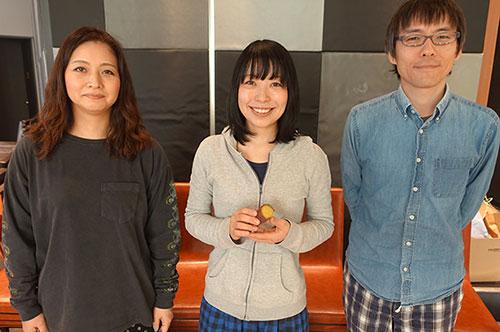 左からべつやく、筆者古賀、石川