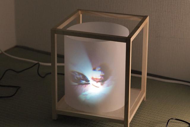 そんなことを考えて作ったのが、このデジタル走馬灯である。いまの時代に即した走馬灯とは何か。それを追求した先にあったのは、デジタルフォトフレームとの融合であった