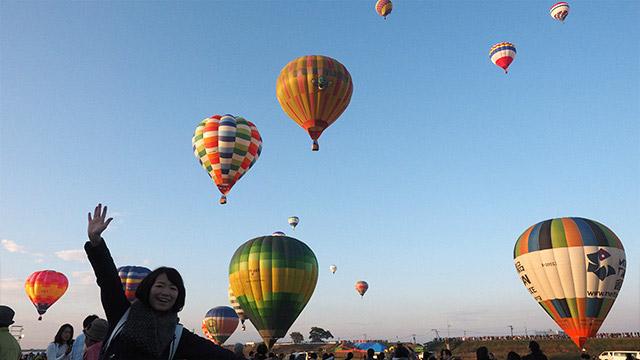気球は300キロもあるらしいが、それがバーナーの火でフワフワとあがっていく
