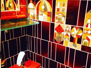 トイレもかわいい店が多い。こちらはミックスジュースを廃止した高円寺のお店