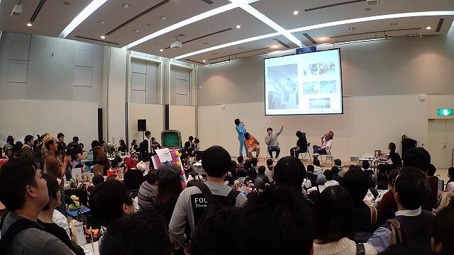 ヨッピーさん、朽木誠一郎さん、地主恵亮さんと当サイト林雄司登壇、司会はセブ山さんのライター座談会もステージで行われこの盛況