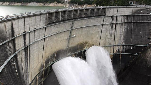 ほとんどのダムについている洪水吐