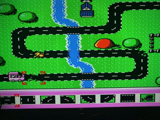 壊れた道を直して車が通れるようにするパズルゲーム「ROAD MAN」