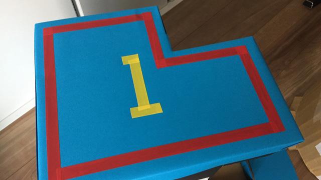 細かい装飾はビニールテープを貼った。これはゴロリが自分で考えた。