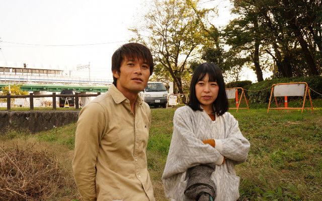 「石川君がバッタを見つけるとすぐ捕まえようとするの、そもそもおかしいと思ってた」(古賀、写真右)