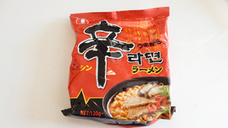 韓国代表、辛ラーメン