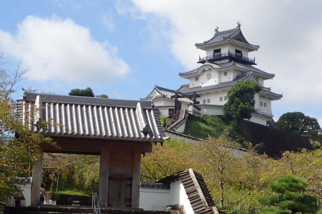 昼間の掛川城