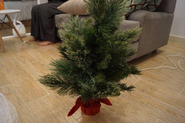 外された方のツリーの姿はどちらかといえば門松。