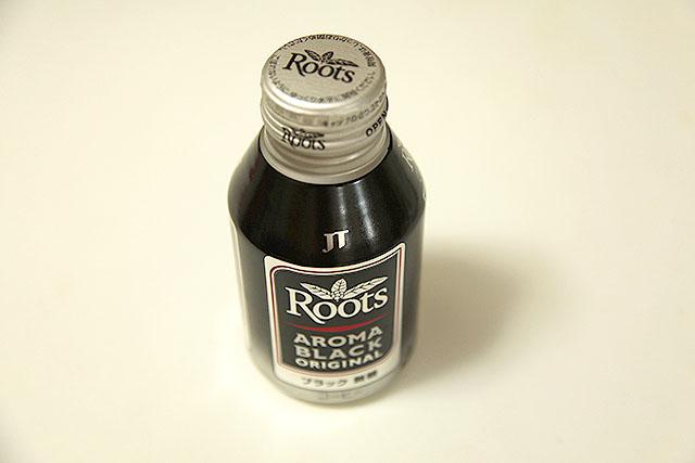 JTのアロマブラック。缶コーヒーの中では美味いと評判。