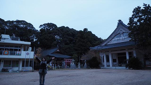 左奥には稲荷社がある。日本三大稲荷の一つ、愛知県の豊川稲荷は普済寺の末寺になるらしい。