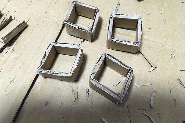 軸受はこの四角いパーツで代用