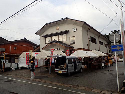 イベントの中心地である羽茂商工会。