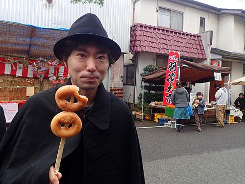 ドーナツが焼けていたので買った。文明開化の味がした。