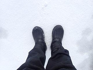 大市の翌日から雪が降って、早速防寒靴が役に立ちました。ありがとうございました。