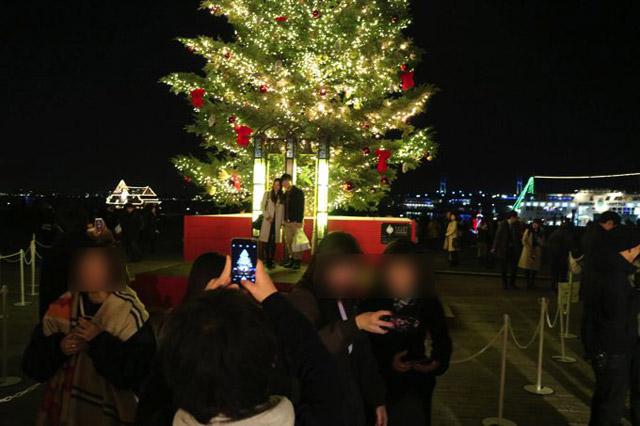 この企画は12月22日の金曜日に行われたので、街はまさにクリスマスムード満点だった。集合場所の駅に着いたときに声高らかに徳永英明の歌声が流れていて、思わず「良いムードだなぁ」と独り言を漏らした。