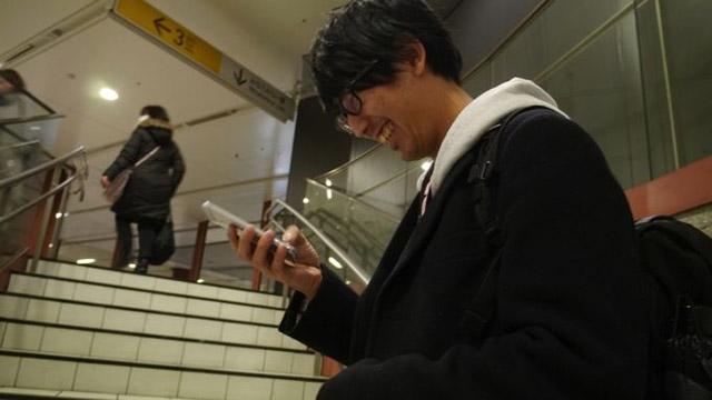 弟と吉岡さんと連絡を取って駅に着いたか隠れながら確認する。