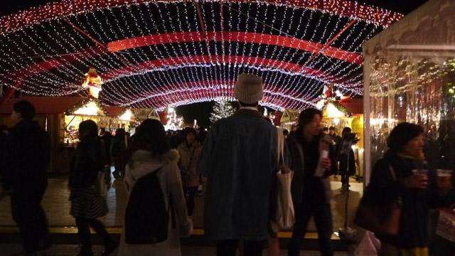 赤レンガ倉庫はイルミネーションがクリスマス仕様になっていた