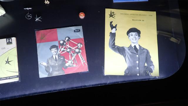 万博のパンフレット、ロシア・アヴァンギャルドっぽさ