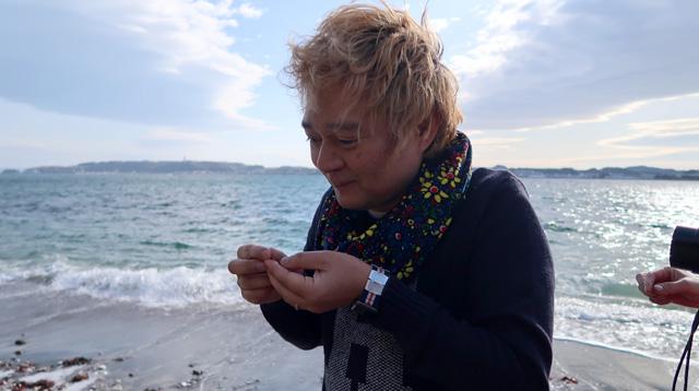 風が強い砂浜でコンタクトを入れるのに苦労してすっかり弱った。