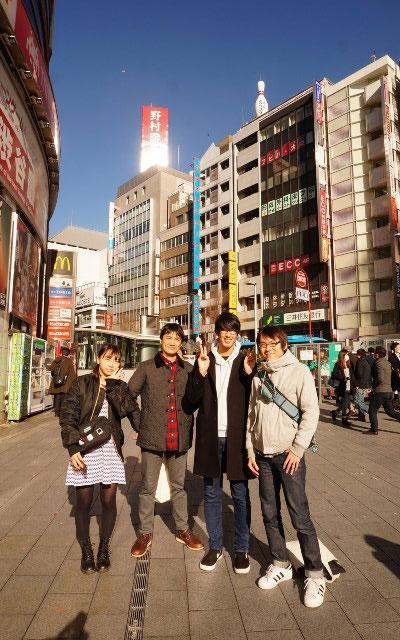 左からユーチューバー兼発明家・藤原麻里菜、路線図と大喜利に強い・井上マサキ、ゆかり愛好家プログラマー・megaya、そして筆者 石川。