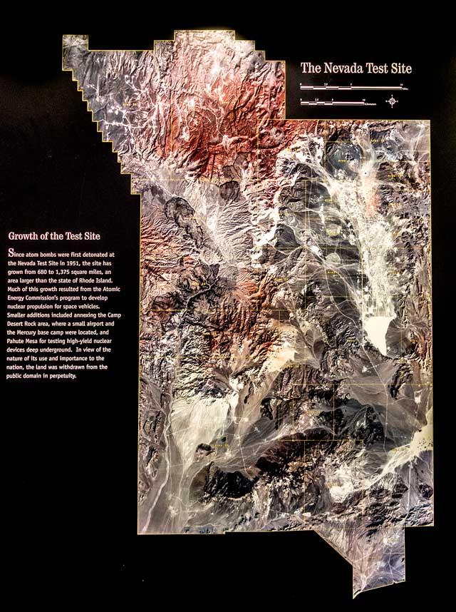 上の地図だと小さく見えるが、広大。これは航空写真。同様に展示パネルより。
