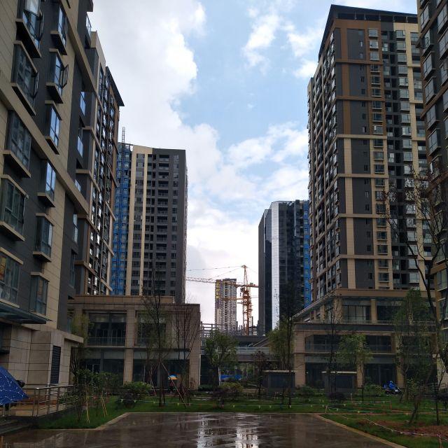 中国の新築マンションの写真を比較用に出してみた。エチオピアっぽく見えてきた