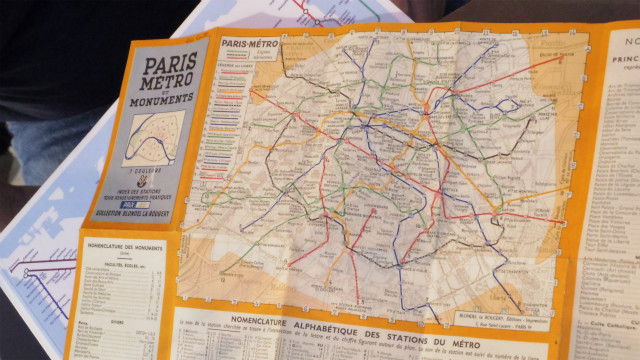パリのメトロも昔からカラフルだが、今とは色と路線が違う