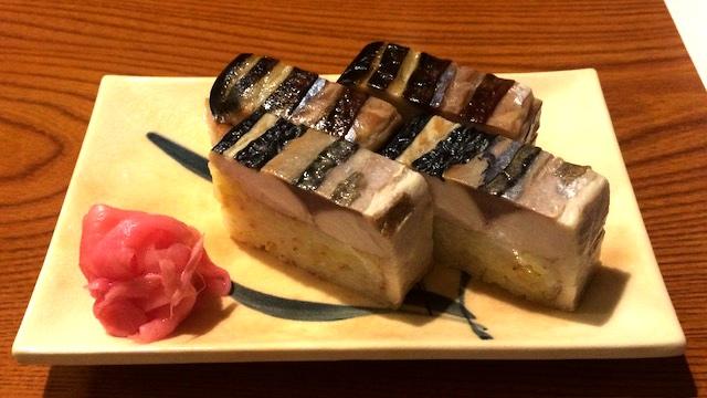 奥様が考案したサバの干物の押し寿司も絶品
