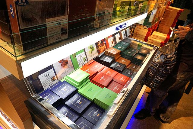北海道といえばのロイズのチョコレートもあるし、