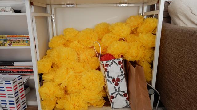今回使うのは大きいお花。それをたくさん作る。