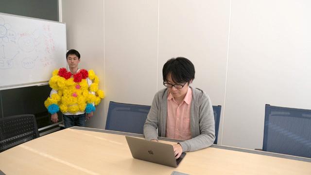 仕事場の隅に観葉植物として置いてみてはどうか。