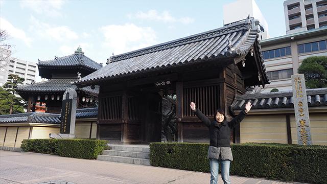 東長寺にやってきた。弘法大師・空海が日本で最初に創建したお寺だそうだ。
