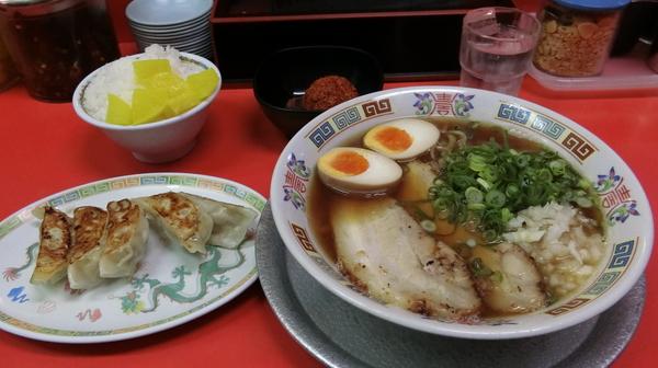 餃子もおいしいし、ラーメンもおいしい。桃太郎電鉄だったらもっこす工場(100億円)を買いたい。