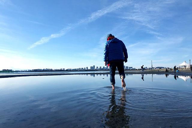 どうしたって歩くと波立っちゃうのでね。波紋が消えるまで待つのでリモコン必須です。